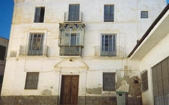 Fachada antes de la restauración (PE)