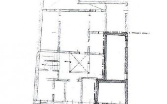 Planta del palacio con resalto de la parcela (PE)