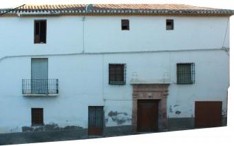 Fachada principal de la calle Barradas