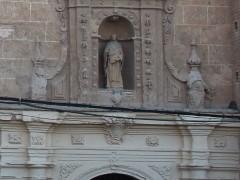 Portada del acceso principal a la iglesia (MR)