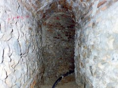 Caños subterráneos bajo el convento (PE)