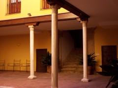 calle del Alamo n 12 patio y escalera (JmGM)