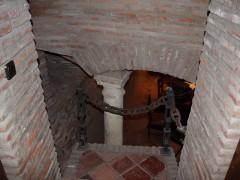 Acceso al sótano restaurado (MR)
