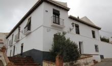 Casa junto a la muralla de la medina (MR)