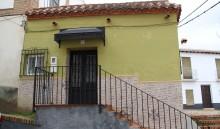 Fachada principal de la casa Doctor Oliva 7 (MR)