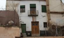Fachada principal calle Barradas (MR)